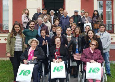 Los usuarios del Centro de Día de Colindres recuperan parte de la historia de la finca Villa Luz