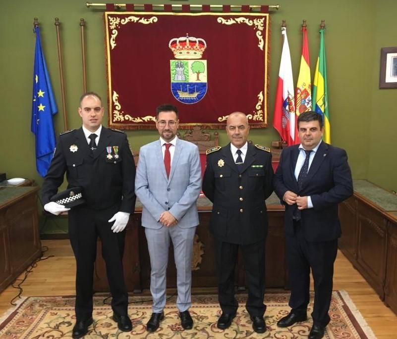 El Ayuntamiento de Colindres incorpora un nuevo agente al cuerpo de policía local