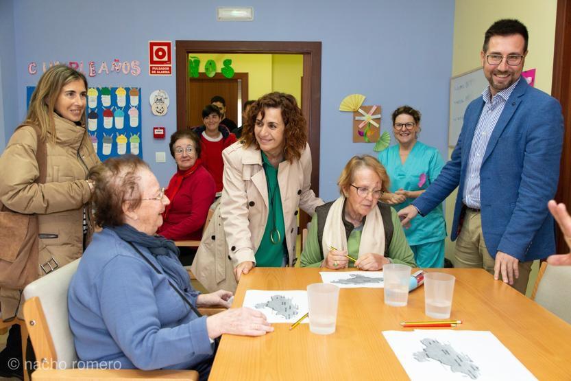 Colindres solicita aumentar el número plazas concertadas para su Centro de Día y contar con una residencia en el municipio